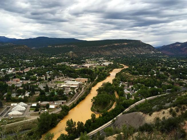 20150807__animas-river-pollution-colorado~p1